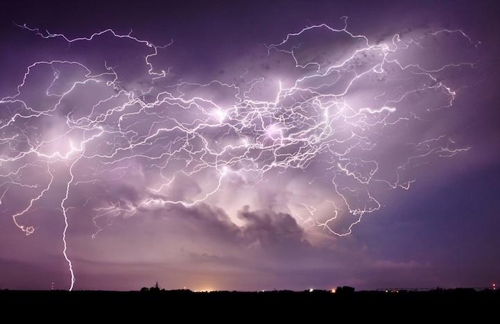 Молнии: устрашающи и прекрасны (12 фото)