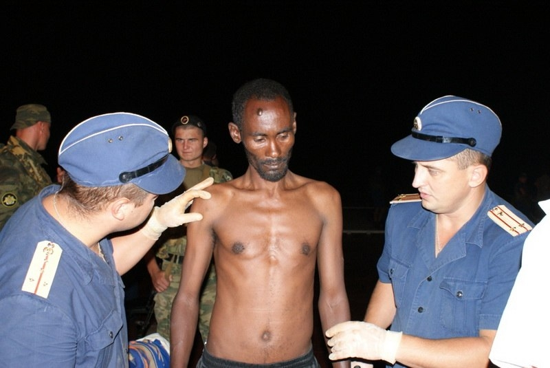 Russian Struggle With Somalian Pirates