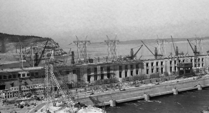 Construction of the Zhigulyovskaya Hydroelectric Station