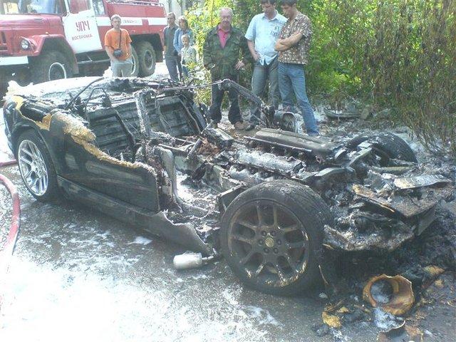 burned down dodge viper in russia 4