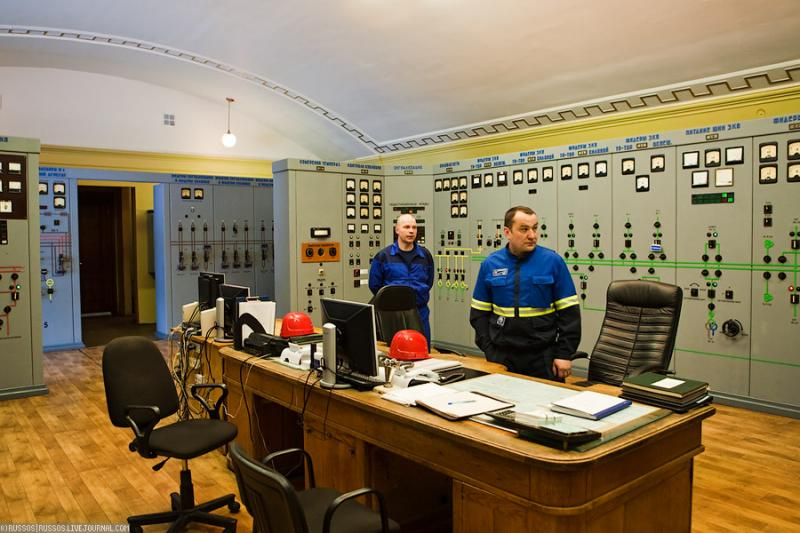 Cool Russian hydro electric plant 15