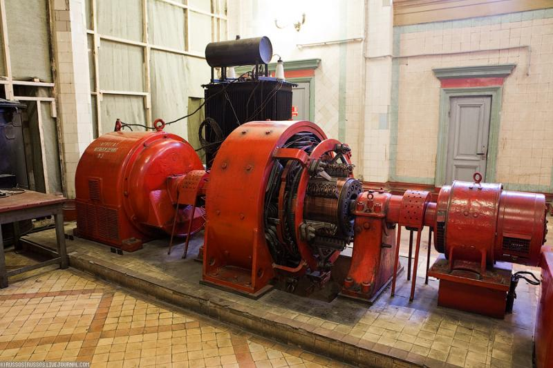 Cool Russian hydro electric plant 37