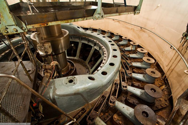 Cool Russian hydro electric plant 49