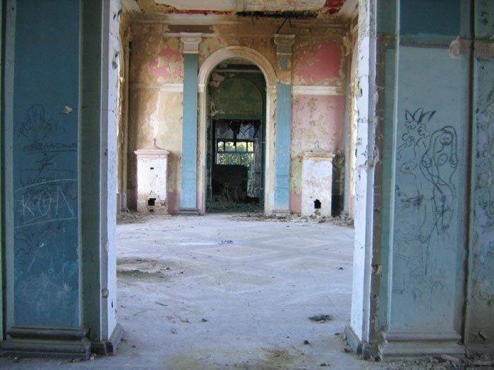 abandoned abhazia 38