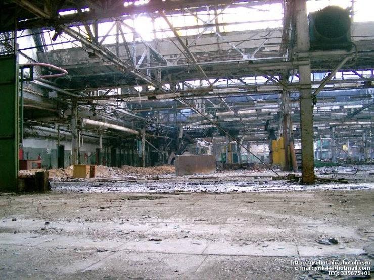 abandoned azlk automobile factory 22