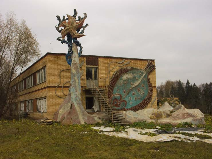 strange abandoned place in Russia 4