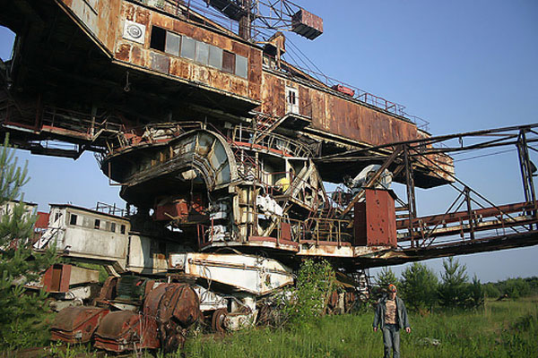 giant soviet excavation device used for exploitation of phosphorus field 7