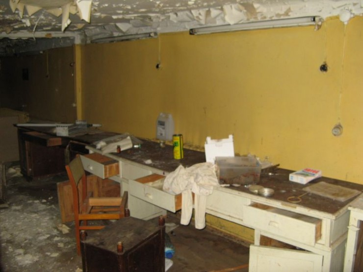 abandoned bio-chemistry lab 24