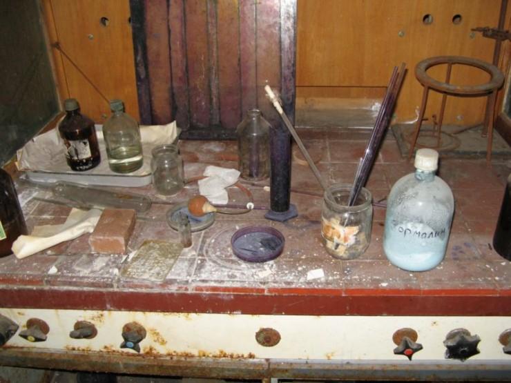 abandoned bio-chemistry lab 27