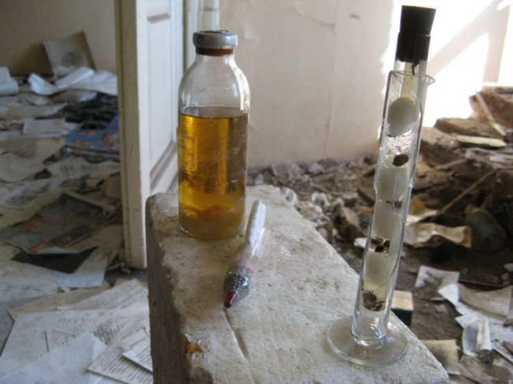 abandoned bio-chemistry lab 45