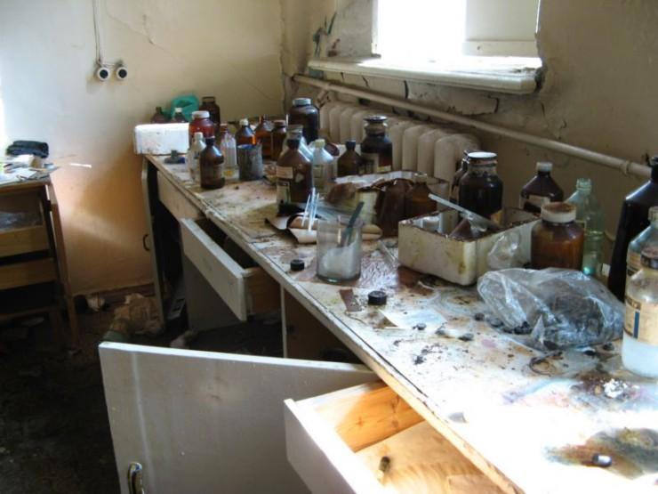 abandoned bio-chemistry lab 8