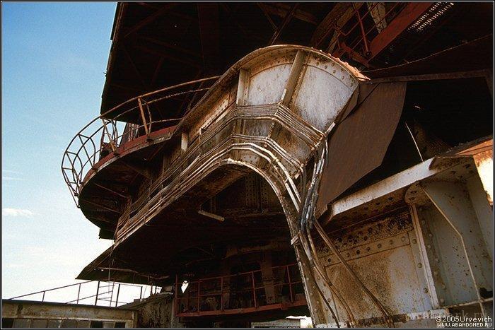 Russian abandoned heavy machinery 10