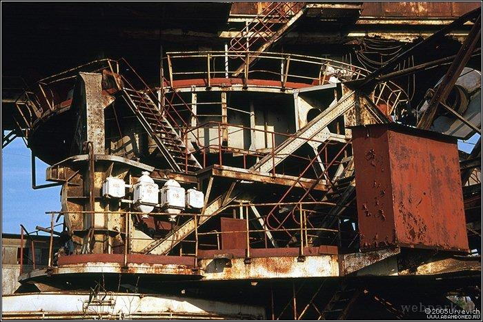 Russian abandoned heavy machinery 14