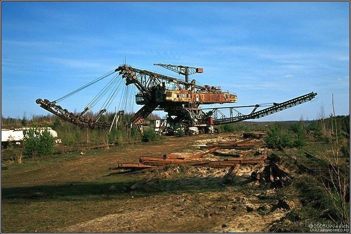 Russian abandoned heavy machinery 2