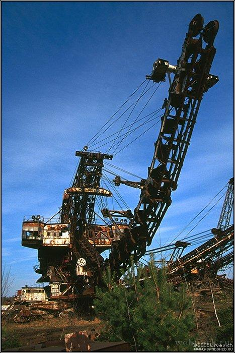 Russian abandoned heavy machinery 3