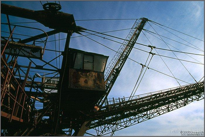 Russian abandoned heavy machinery 5