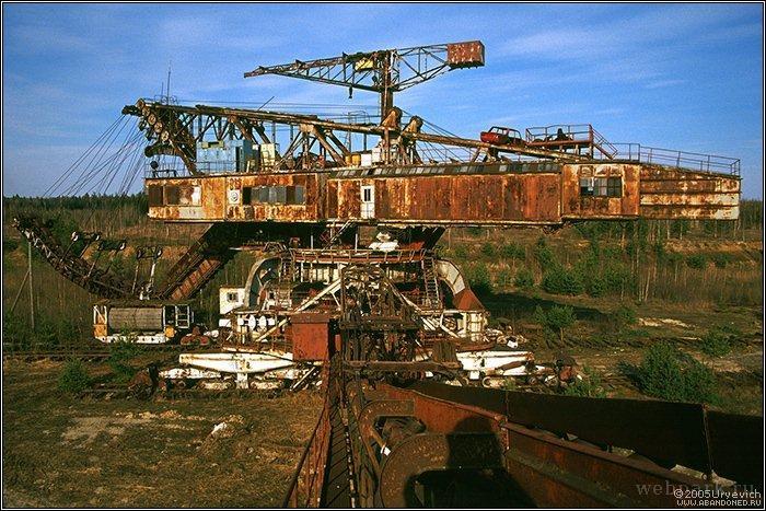 Russian abandoned heavy machinery 6