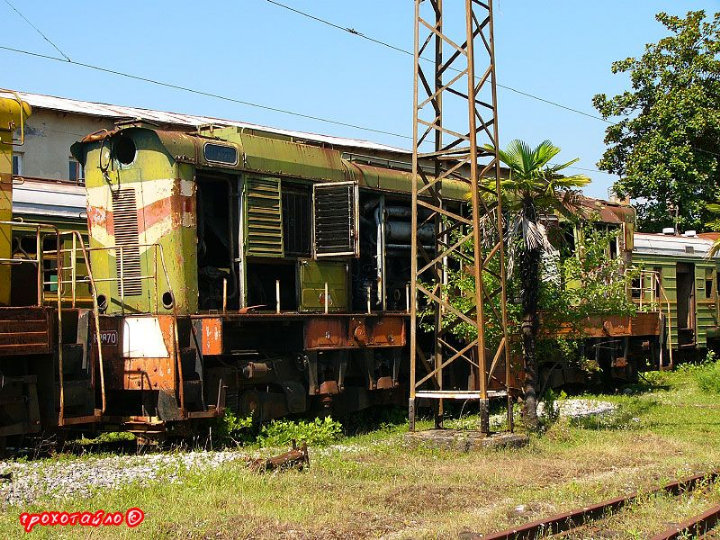 abandoned soivet trains in Sukhumi 13