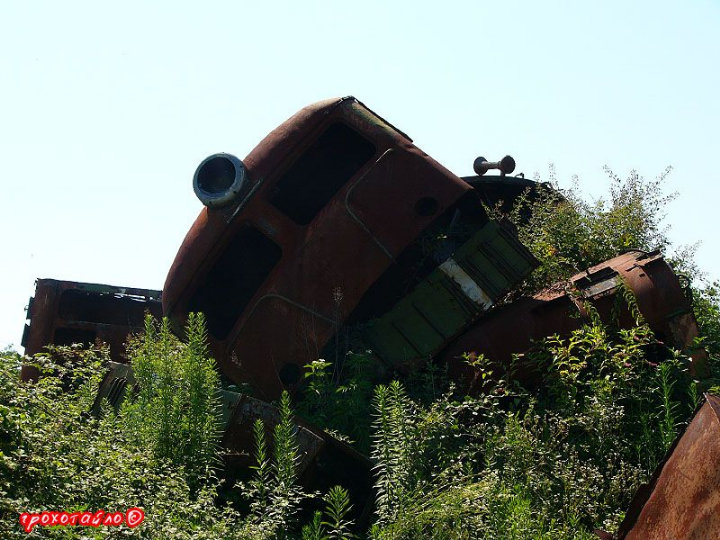 abandoned soivet trains in Sukhumi 15
