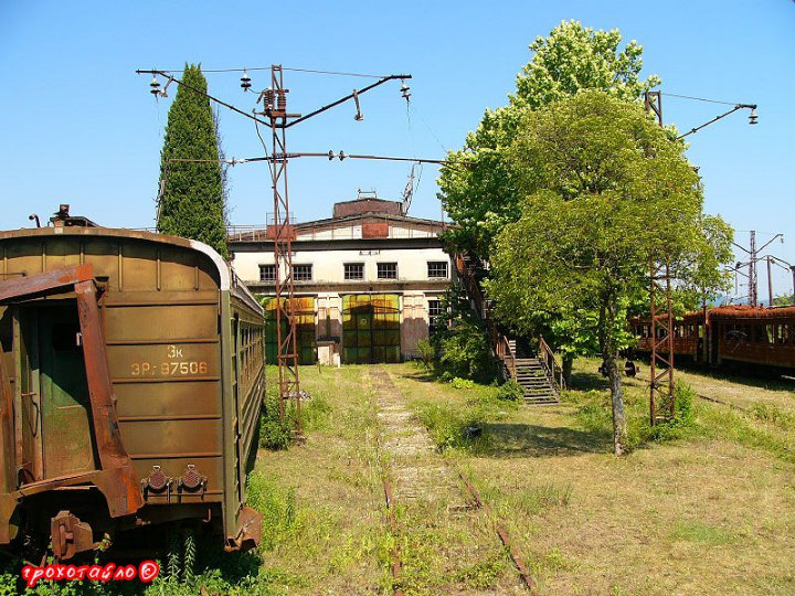 abandoned soivet trains in Sukhumi 19