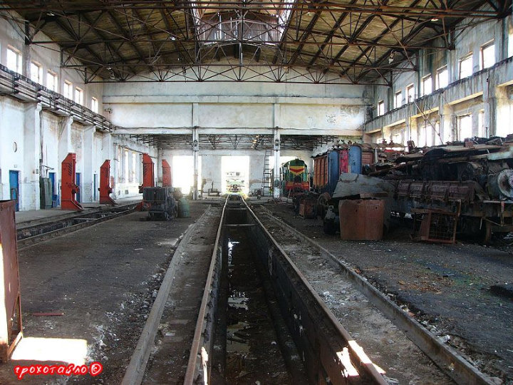 abandoned soivet trains in Sukhumi 20