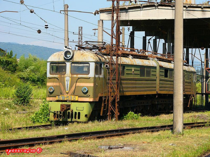 abandoned soivet trains in Sukhumi 29
