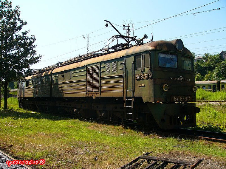 abandoned soivet trains in Sukhumi 31