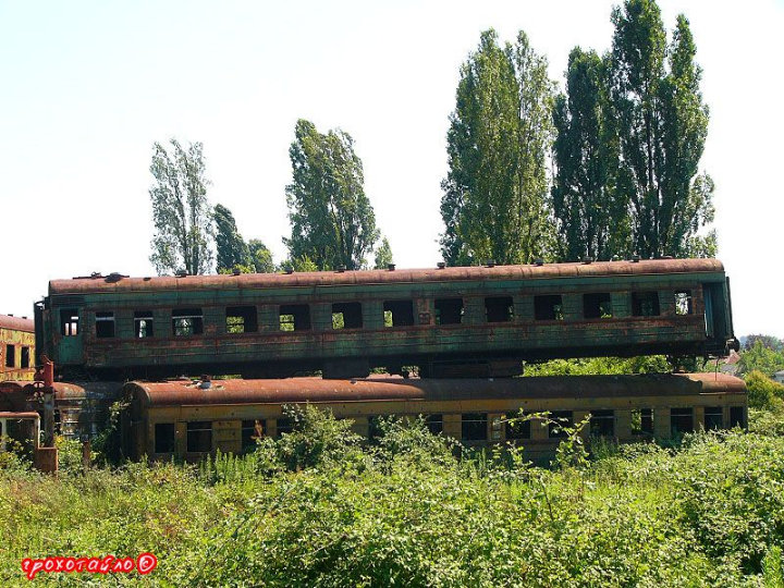 abandoned soivet trains in Sukhumi 4