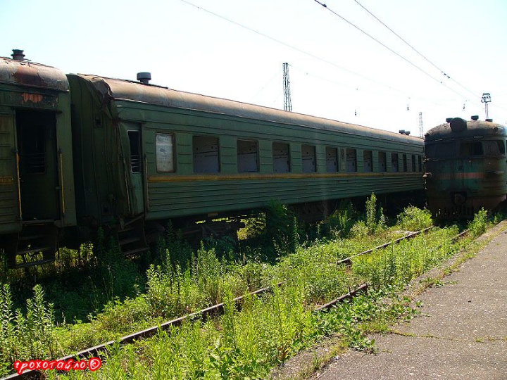 abandoned soivet trains in Sukhumi 41