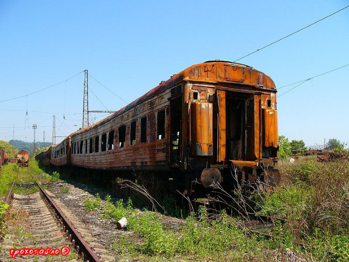abandoned soivet trains in Sukhumi 42