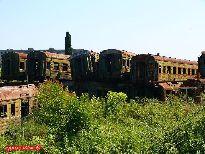 abandoned soivet trains in Sukhumi 47