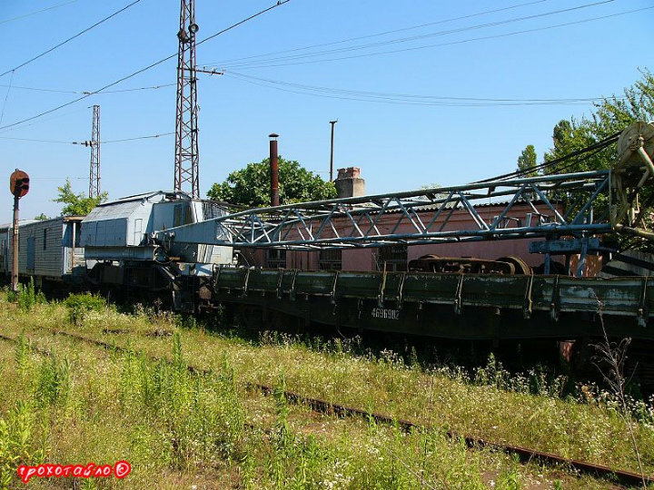 abandoned soivet trains in Sukhumi 5