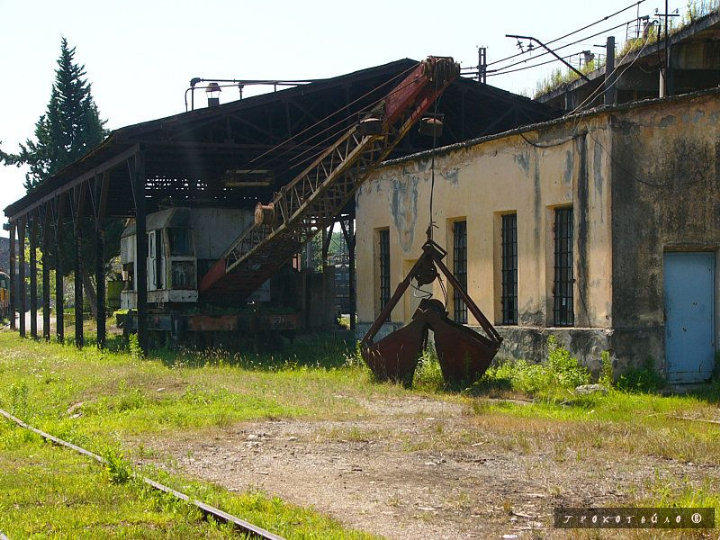 abandoned soivet trains in Sukhumi 7