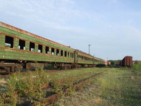 abandoned soviet trains in belarus 39