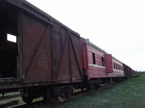 abandoned soviet trains in belarus 4