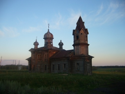 Russian wooden church, stays abandoned 2