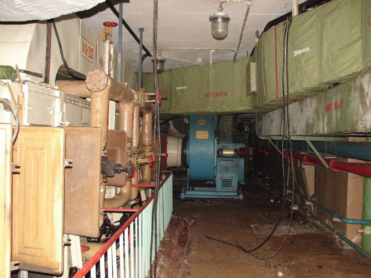 Abanoned Military Signal Office Centre 15
