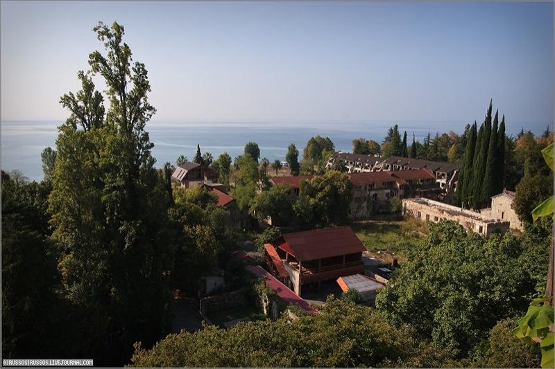 Abandoned Russian palace in Abkhazia 10