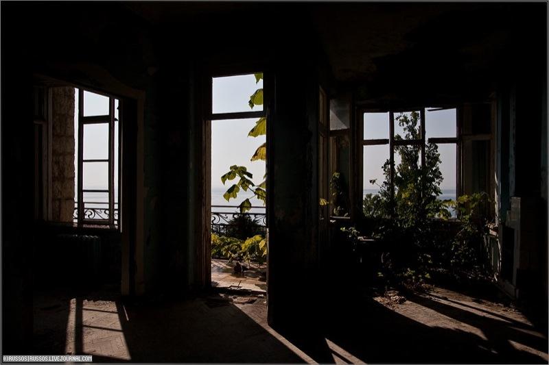 Abandoned Russian palace in Abkhazia 11