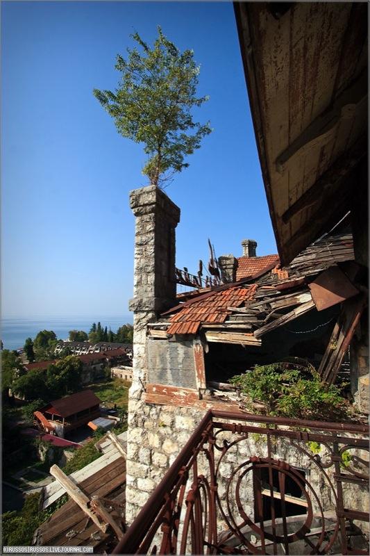 Abandoned Russian palace in Abkhazia 12