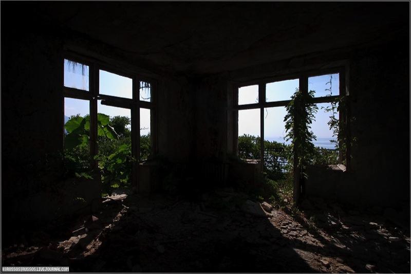 Abandoned Russian palace in Abkhazia 13