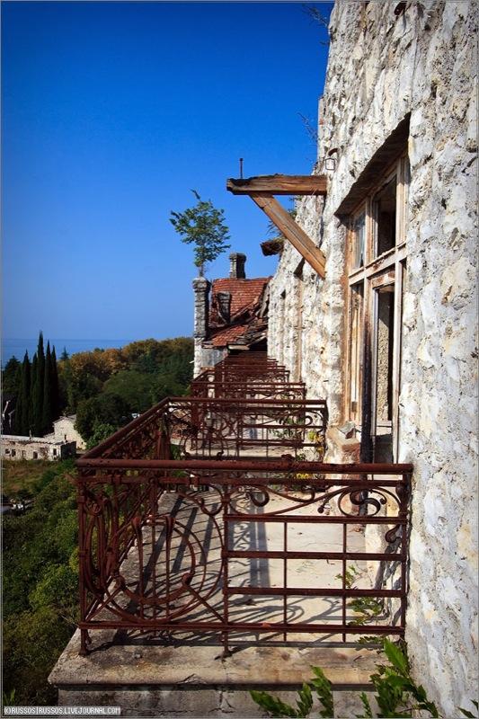 Abandoned Russian palace in Abkhazia 14