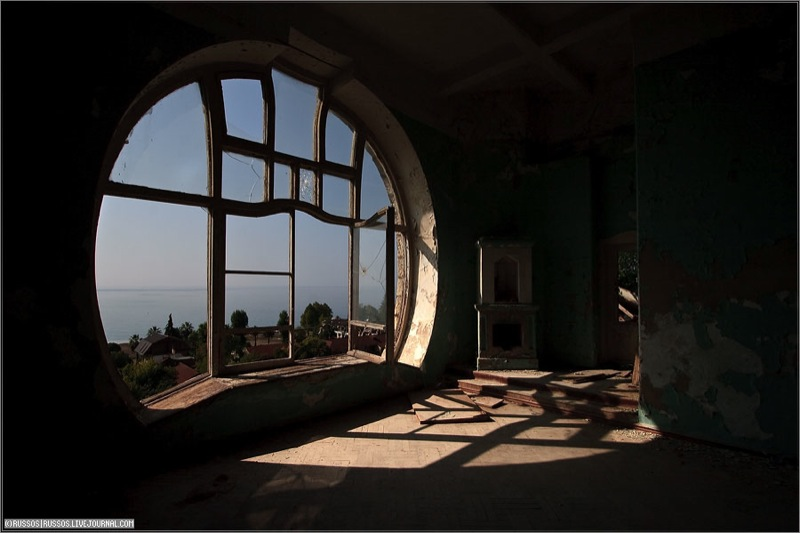 Abandoned Russian palace in Abkhazia 15