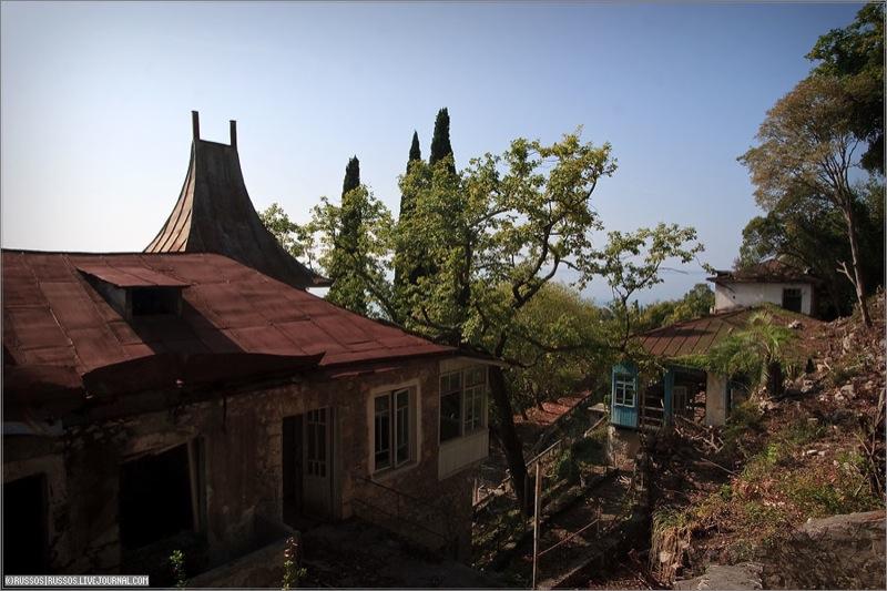 Abandoned Russian palace in Abkhazia 24