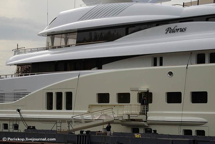 Boat of Roman Abramovich, Russian Rich 15