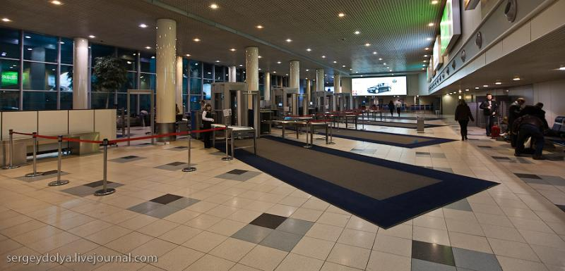 Airport As a Passenger Sees It 17