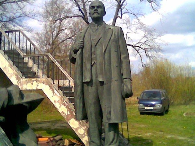 Monument of Soviet origin in Estonia 6