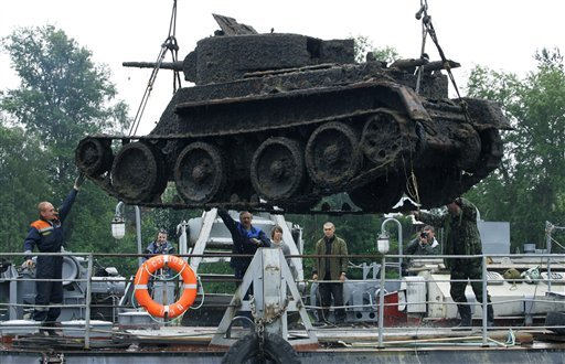 russian tank from lake 1