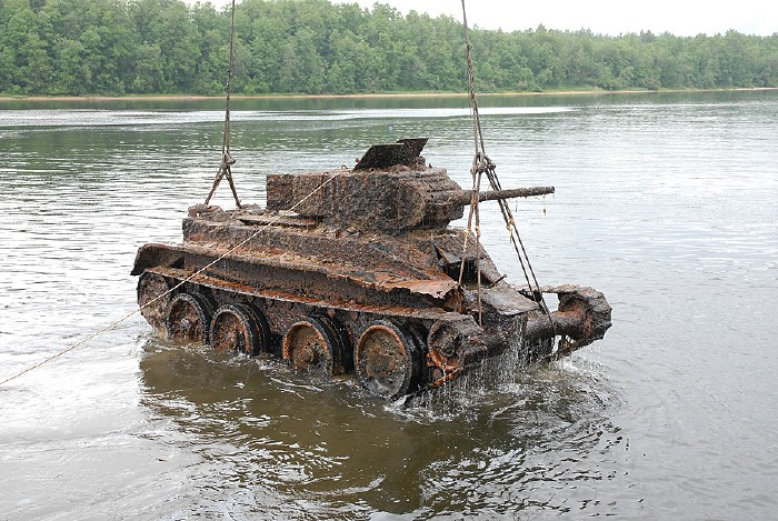 russian tank from lake 2