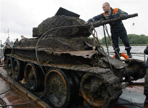 russian tank from lake 4